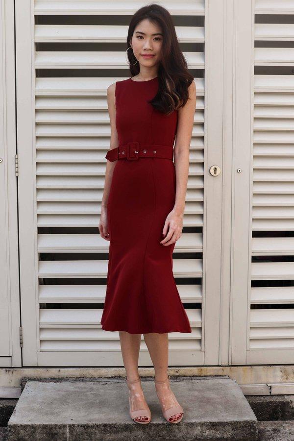 Sera Buckle Dress in Maroon