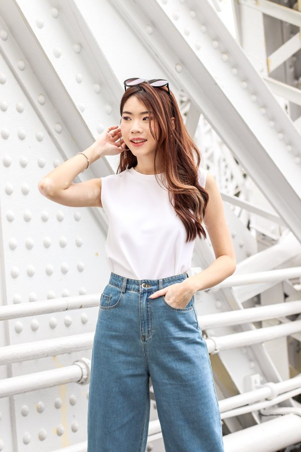 Pia Basic Muscle Tee in White
