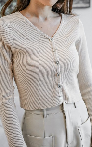 Zora Soft Knitted Cardigan with Seashell Buttons in Macaroon Cream