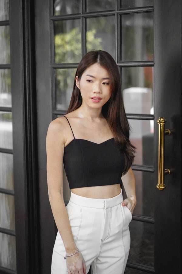 Isabella Sweetheart Crop Top In Black