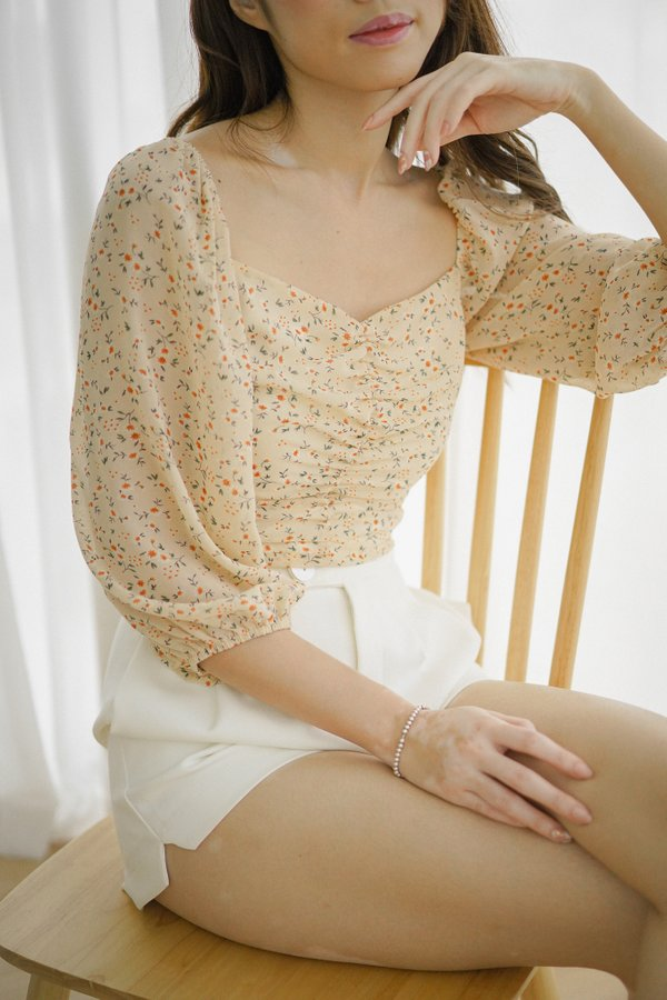 Dahlia Floral Ruched Top in Cream