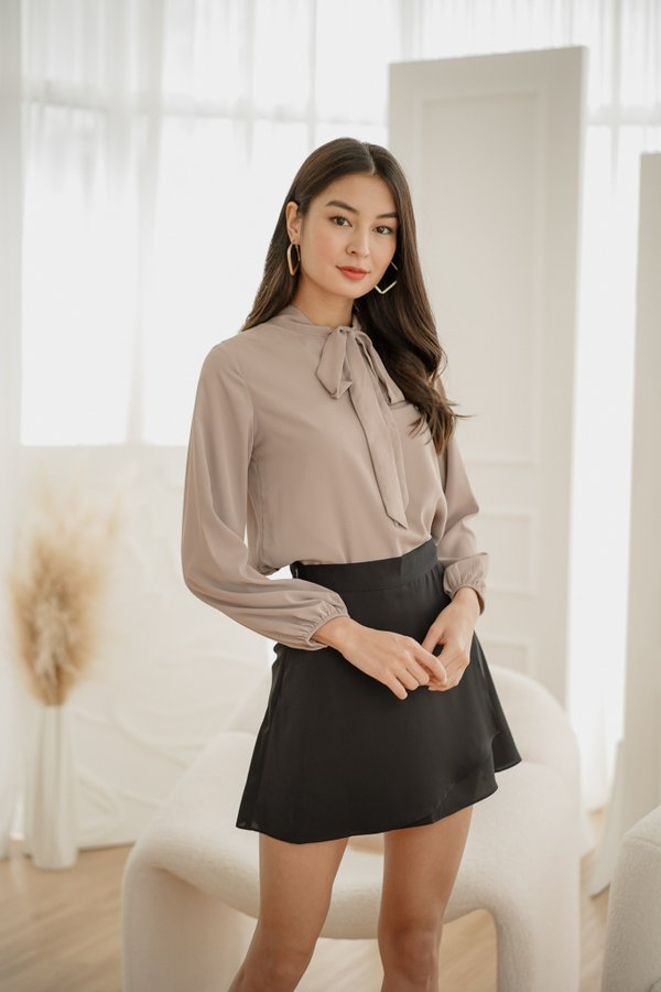 Rina Tie Ribbon Sleeve Top in Pale Mauve